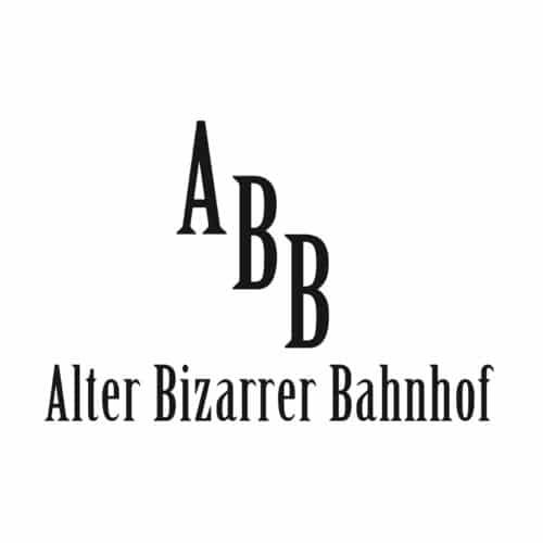 AlterBizarrerBahnhof